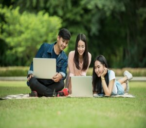 best laptops for college students under 300 dollars